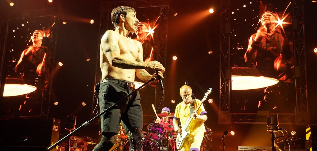 Red Hot Chili Peppers - Gig Review & Photo Gallery 17th February @ Derwent Ent. Centre, Hobart TAS